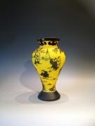 Artist : Deng Zhendong Afm.  : 28 cm hoog - diameter 17 cm 2 lagen glas