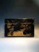 Kostbaarheden kist - oud Beschilderd met goudkleur Afm. : 37 cm x 21 cm x 25 cm hoog Prijs  : 195,00